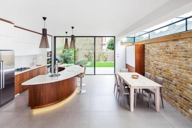 Барная стойка на кухне - это не только эстетическое, но и крайне функциональное решение