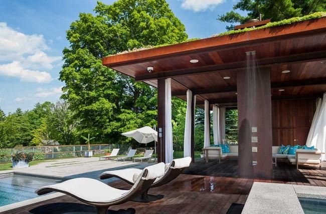 Летний душ принесет удовольствие и детям и взрослым в жаркие дни