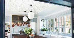 Натяжной потолок на кухне: 35+ лучших реализаций в интерьере фото