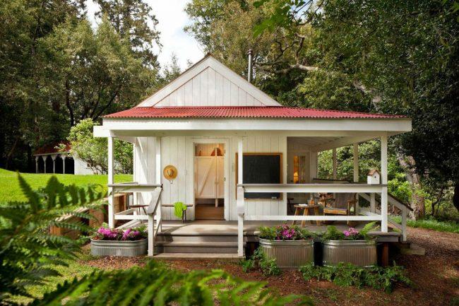 Проект одноэтажного дачного дома из бруса