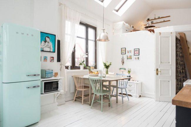 Если высота потолков в вашей квартире позволяет. то можно организовать спальное место вторым ярусом над гардеробом, к примеру