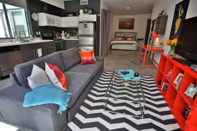 Стиль лофт в оформлении однокомнатной квартиры не маленькой квадратуры