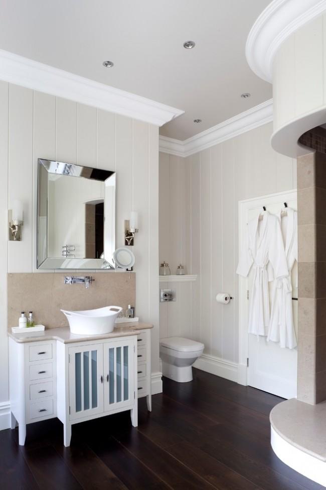 Пластиковые панели в классической ванной комнате