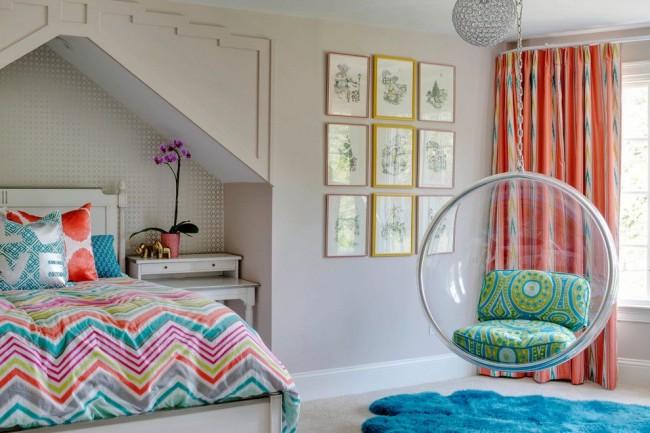 Дизайн спальни в стиле эклектик с подвесным креслом
