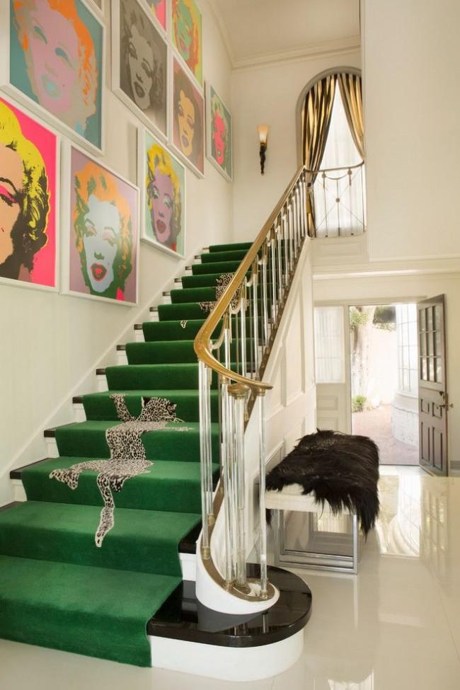 Лестница частного дома в стиле поп-арт
