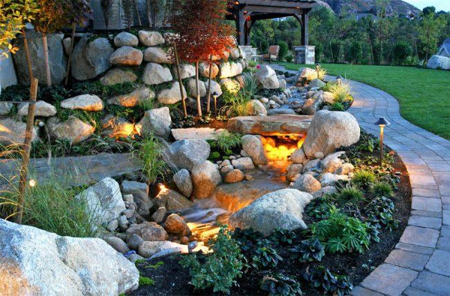 Светящиеся камни в темное время суток станут альтернативой разного рода светильникам и фонарям