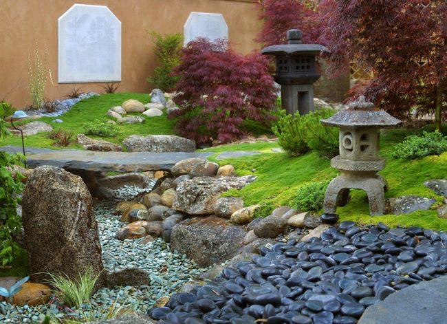 Чтобы сад был очень уютным, он должен быть максимально естественным