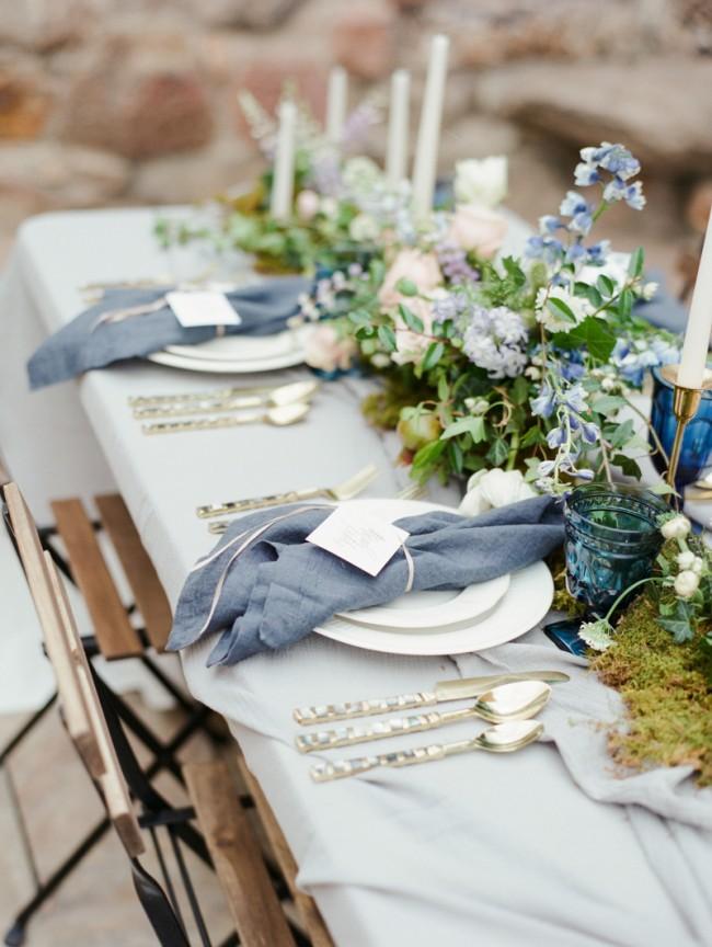 Летние сумерки, сад, романтика, скромное очарование полевых цветов - оформление столов, вдохновленное сказкой о Золушке
