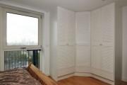 Фото 3 Угловой шкаф в спальню: обзор современных моделей в интерьере и рекомендации по выбору