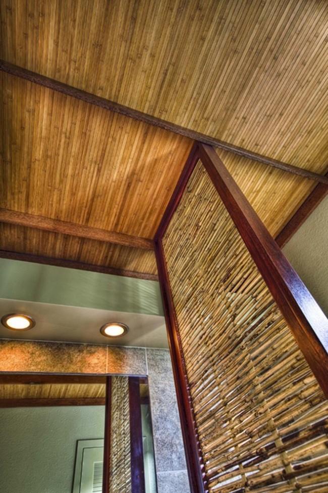 Обои из бамбуковых ламелей используются для отделки лоджий, и, фрагментарно, для ванных комнат. Их плюс - влагоустойчивость
