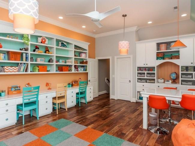 Объединенная двумя противоположными цветами детская комната для мальчиков и девочек