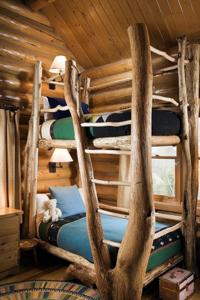 Каждый этаж двухъярусной кровати – отдельное самостоятельное спальное место, имеющее два индивидуальных источника освещения в виде лампы для чтения и окна