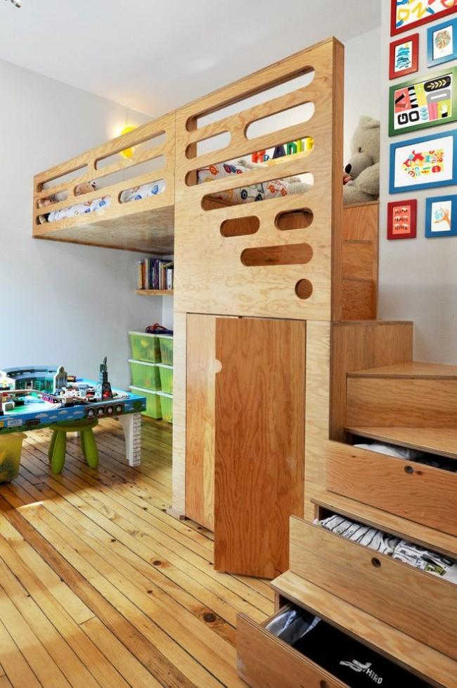 Оригинальная детская двухъярусная кровать с функциональными полками-ступеньками и смоделированным местом для игры