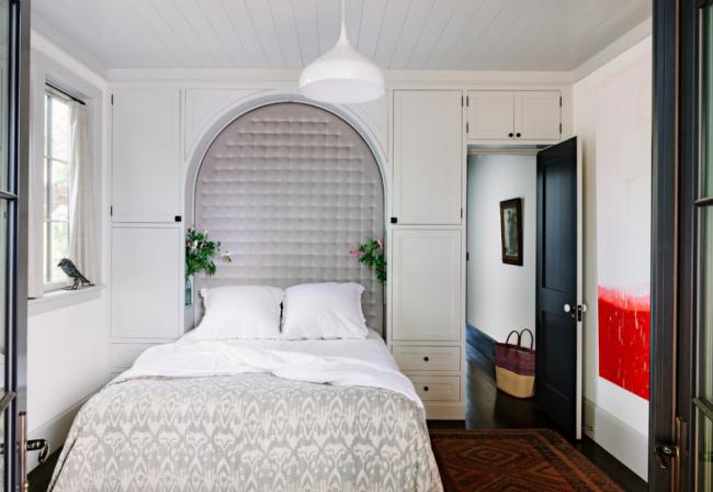 В дизайне даже маленькой спальной комнаты можно сделать комнату вашей мечты применяя несложные дизайнерские методы