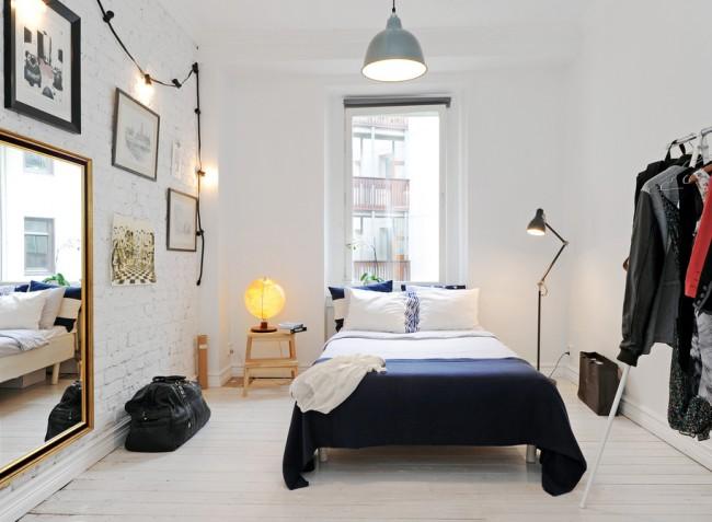 Синий цвет в интерьер спальной комнаты способен внести свежесть и разнообразить дизайн комнаты