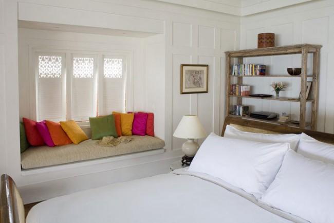 Подушки могут быть предназначены не только для сна, но и служить как современный и яркий элемент декора