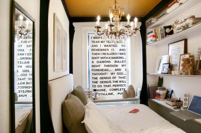 Стеллажи или полки, которые расположены на всю стену, увеличить место для хранения вещей