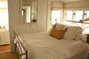 Фото 38 Дизайн маленькой спальни: правила декора и 40+ универсальных интерьерных решений