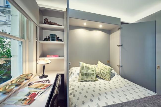 Для комнаты с маленькой площадью оптимальным вариантом может стать кровать, которая по сути является шкафом, когда находится в собранном состоянии, ведь такая кровать сэкономит пространство