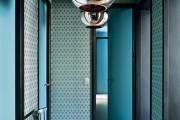 Фото 1 Дизайн узкого коридора: как расширить пространство и обзор лучших примеров оформления