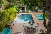Фото 23 Дизайн двора частного дома: создаем уютное и функциональное пространство своими руками