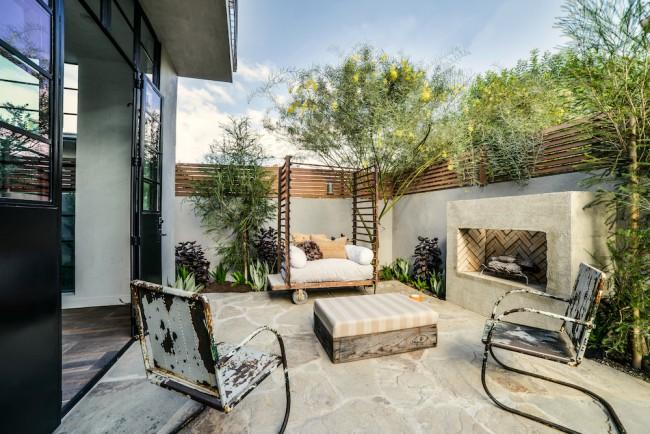Стильная дворовая мебель подчеркнет статус хозяина