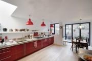 Фото 2 Кухни красного цвета: 50 самых трендовых и сочных решений для тех, кто не боится экспериментировать