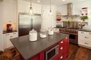 Фото 18 Кухни красного цвета: 50 самых трендовых и сочных решений для тех, кто не боится экспериментировать