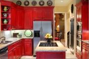 Фото 19 Кухни красного цвета: 50 самых трендовых и сочных решений для тех, кто не боится экспериментировать