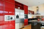 Фото 20 Кухни красного цвета: 50 самых трендовых и сочных решений для тех, кто не боится экспериментировать