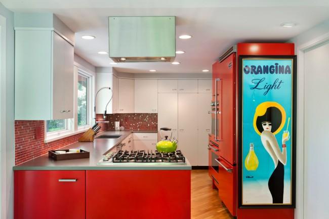 Красные оттенки в кухне подойдут энергичным особам