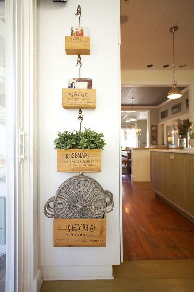 Небольшие декоративные элементы, сделанные своими руками, поднимут настроение вам и вашим гостям