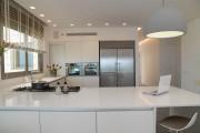 Фото 1 Кухня в стиле модерн: дизайн, подбор декора и 45 самых актуальных идей для дома
