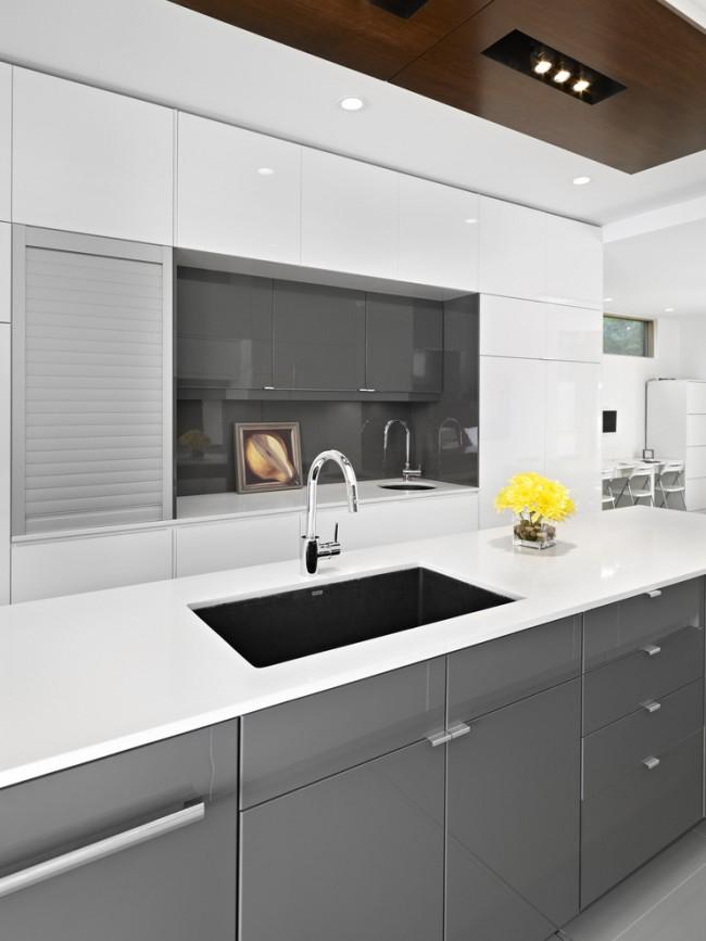 Кухня в стиле модерн располагает к минимализму в отделке и внимательному выбору материалов