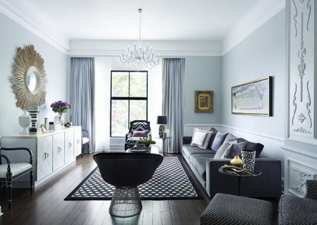Гладкий идеальный потолок для квартирной неоклассики