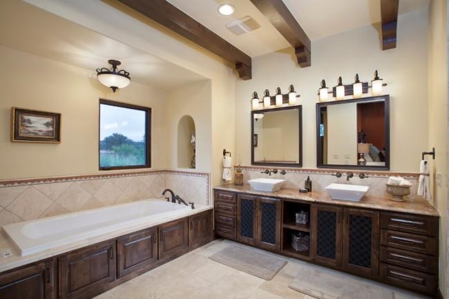Идеальный вариант - это когда в ванной реализовано и естественное, и искусственное освещение