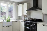 Фото 11 Как выбрать плитку на кухонный пол: обзор лучших интерьерных решений и советы специалистов