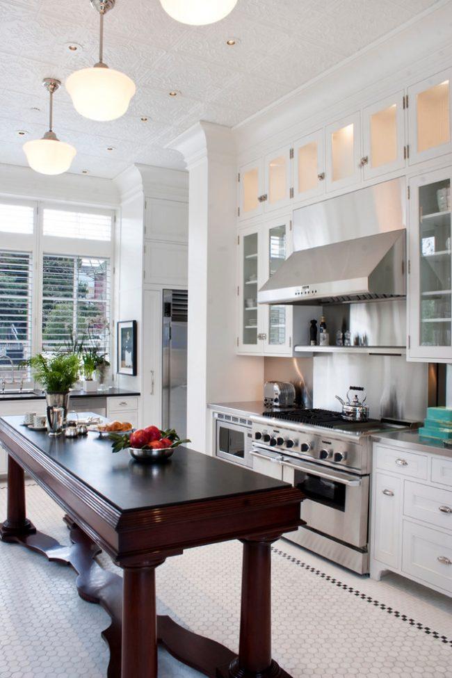 Красивая мелкая плитка на пол на кухню, требующая за особого ухода