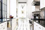 Фото 23 Как выбрать плитку на кухонный пол: обзор лучших интерьерных решений и советы специалистов