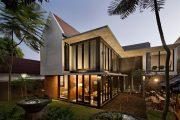 Фото 1 Проекты домов и коттеджей: технологии постройки и обзор актуальных трендов года