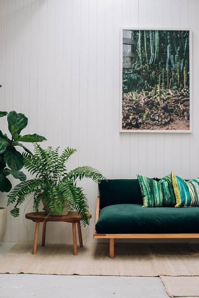 Сочные зеленые акценты в обновленной гостиной