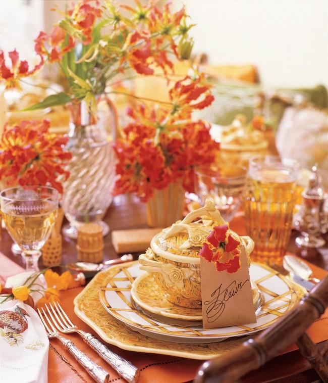 Осенний декор в теплых оранжевых и золотистых тонах