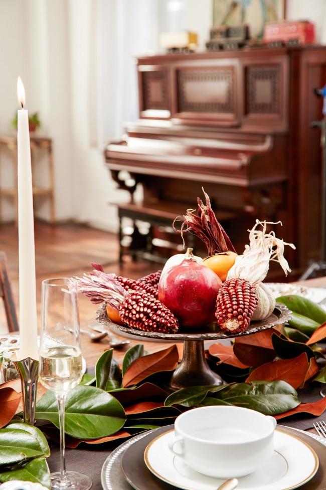 Идея летнего и осеннего декора для щедрого праздничного стола: дары природы - на пьедестал!