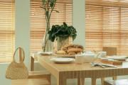 Фото 18 Жалюзи на кухню: советы по выбору и 35+ эстетически верных решений для дома