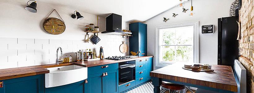 Бело-голубая кухня: как гармонизировать интерьер и 85 беспроигрышных вариантов оформления