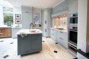 Фото 9 Бело-голубая кухня: как гармонизировать интерьер и 105 беспроигрышных вариантов оформления