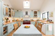 Фото 12 Бело-голубая кухня: как гармонизировать интерьер и 85 беспроигрышных вариантов оформления