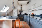 Фото 13 Бело-голубая кухня: как гармонизировать интерьер и 85 беспроигрышных вариантов оформления