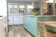 Фото 25 Бело-голубая кухня: как гармонизировать интерьер и 105 беспроигрышных вариантов оформления