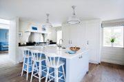 Фото 27 Бело-голубая кухня: как гармонизировать интерьер и 105 беспроигрышных вариантов оформления
